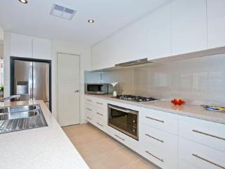 4 bedroom House with Internet Access in Perth - Perth vacation rentals
