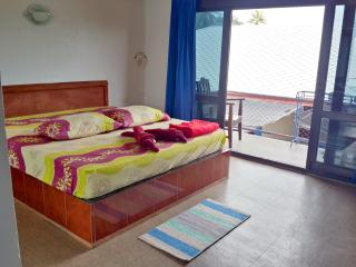 Apartment with Bathtub and Pool near Beach A - Lipa Noi vacation rentals