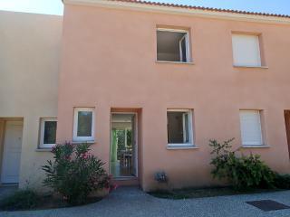 Villa 3 étoile/2 Chambres/residence fermée/piscine - Santa-Maria-Poggio vacation rentals