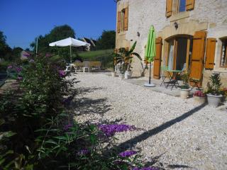 The Byre at Le Jardin des Amis - Meyrals vacation rentals