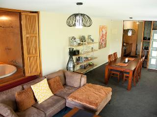 Beautiful 1 bedroom Daylesford Condo with Internet Access - Daylesford vacation rentals