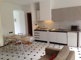 LOVELY APPARTMENT NEAR THE BEACH - Levanto vacation rentals