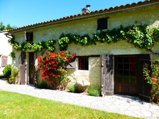 Comfortable 3 bedroom Gite in Montcaret - Montcaret vacation rentals