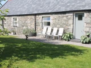 Comfortable Cottage with Grill and Microwave - Newton Stewart vacation rentals