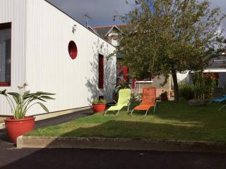 Cozy 3 bedroom Paimpol Guest house with Internet Access - Paimpol vacation rentals