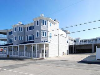 Brand new condo close to beach and town - pool access! - Cedar Neck vacation rentals