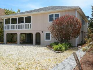 Located only 1/2 block to the private beach! - Cedar Neck vacation rentals