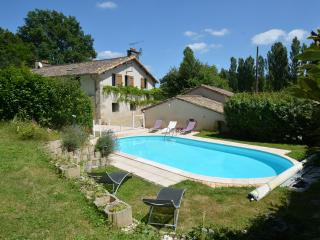 2 bedroom Bed and Breakfast with Internet Access in Poitiers - Poitiers vacation rentals