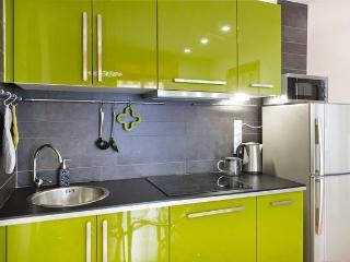 Plaza Catalunya: Design APARTMENT for 4-6 people - Barcelona vacation rentals