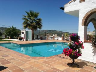 Iznajar - Beautiful Andalucian 1 Bedroom Bungalow - Province of Cordoba vacation rentals
