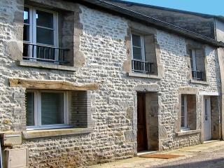 Perfect Cottage with Internet Access and Satellite Or Cable TV - Sainte-Mere-Eglise vacation rentals