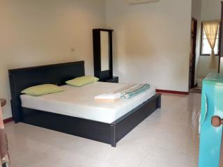 Bang Po Budget Seaview Bungalow - Bophut vacation rentals