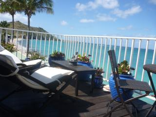 Luxury beach Front Condo with stunning view - Grand Case vacation rentals