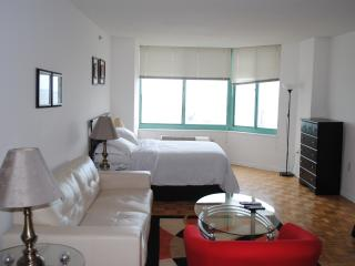 Modern Studio apt - Excellent Loc for NYC - NP - Greater New York Area vacation rentals