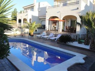 Bonita Villa en Tres Calas - L'Ametlla de Mar vacation rentals