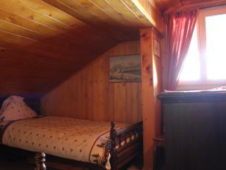 Le Madrier-Chambre 3 - Les Diablerets vacation rentals