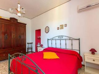 Appartamento Fior di Loto Melograno - Marausa vacation rentals