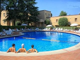 Romantic Apartment in Peschiera del Garda with A/C, sleeps 4 - Peschiera del Garda vacation rentals