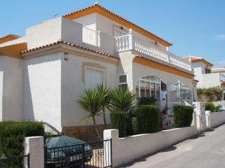 Holiday Villa - Ideal for family's and golfers.... - Villamartin vacation rentals