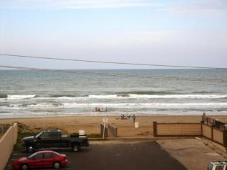 Cora Lee 101 Beachfront convenience without the $$ - South Padre Island vacation rentals