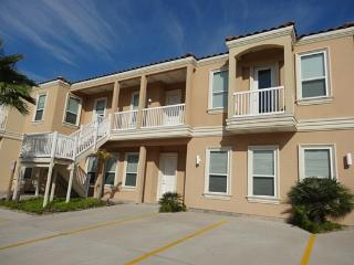 Pueblo del Padre 8  Near beach, combine for groups - South Padre Island vacation rentals