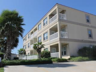 Cora Lee 305 Beachfront convenience without the $$ - South Padre Island vacation rentals