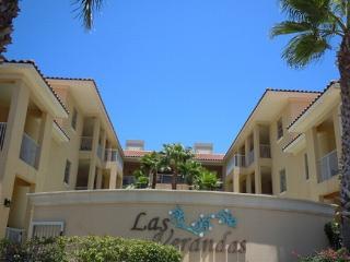 Las Verandas 102  Poolside courtyard condo - South Padre Island vacation rentals
