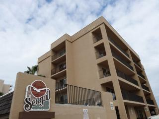 Seagull 401  Beachfront corner condo, great views - South Padre Island vacation rentals