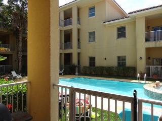 Las Verandas 101  Poolside courtyard condo - South Padre Island vacation rentals