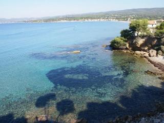 Cosy villa T2 - near sea (900 m) - sun ! Quiet - Saint Cyr sur mer vacation rentals