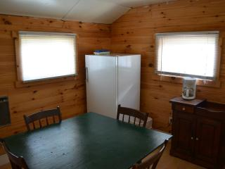 2 bedroom Cottage with Deck in Lake George - Lake George vacation rentals