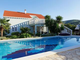 Nice Villa with Internet Access and Outdoor Dining Area - Vela Luka vacation rentals