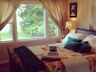 Lovely 1 bedroom Bed and Breakfast in Highland - Highland vacation rentals