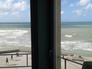 2 bedroom Apartment with Internet Access in Wimereux - Wimereux vacation rentals