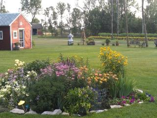 Garden Lodging in a Peaceful Country Farm Setting - North Dakota vacation rentals