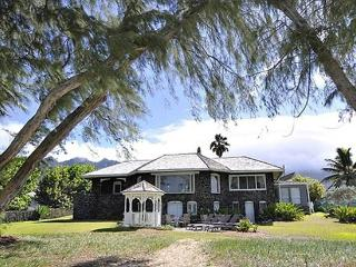 Pele's Lava House -beachfront, weddings welcome - Waimanalo vacation rentals