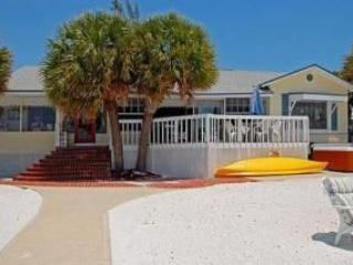BEST BEACH FRONT DEAL, SUMMER & WINTER DEALS! - Fort Myers Beach vacation rentals