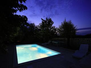 Bright 4 bedroom Zdrelac House with A/C - Zdrelac vacation rentals