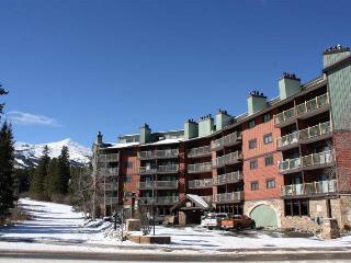 Inviting Ski In 2 Bedroom Condo - Sawmill Creek 114 - Summit County Colorado vacation rentals