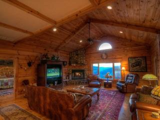 Beautiful House with Central Heating and Shared Outdoor Pool - Banner Elk vacation rentals