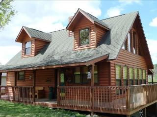 Brandy Station Lake Front Log Cabin 4 bdrm 3 bath (slps 11), Pool Table, Spa Tub - Rolla vacation rentals