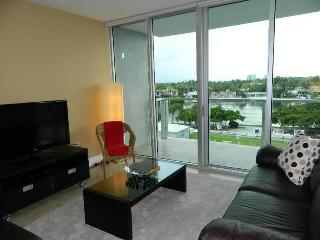 2 bedroom House with Internet Access in North Bay Village - North Bay Village vacation rentals