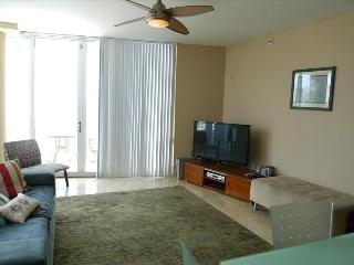 BEACH PLACE 5- SOFI Gem 2/2 Beach views, Parking Pool and Balcony - Miami Beach vacation rentals