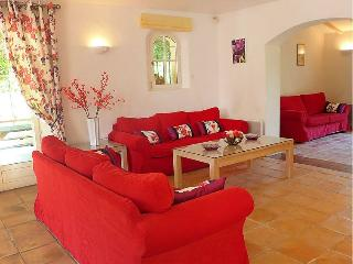 Villa on the French Riviera Near Sainte Maxime - Villa Natalie - Saint-Maxime vacation rentals