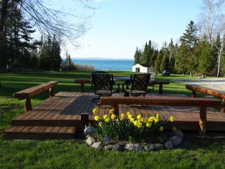 Lem's Paradise #2 - Lake Huron Waterfront - Mackinaw City vacation rentals