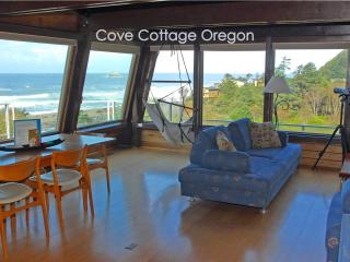 Cove Cottage Oregon, 3 bedroom, 2 Bath, Sleeps 6 - Arch Cape vacation rentals