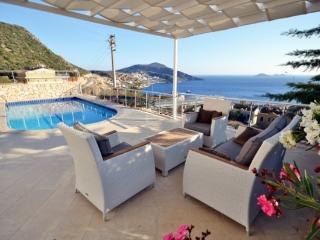 Bright 4 bedroom Villa in Kalkan with Internet Access - Kalkan vacation rentals
