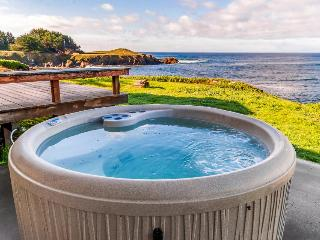 Waterfront home with spectacular view plus private hot tub - Fort Bragg vacation rentals
