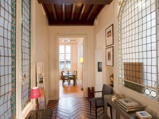 Vivienne Bijoux - Paris vacation rentals