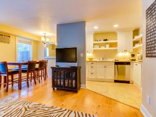 Dog-friendly home w/ free SHARC passes included + new deck w/ a great gas grill! - Sunriver vacation rentals